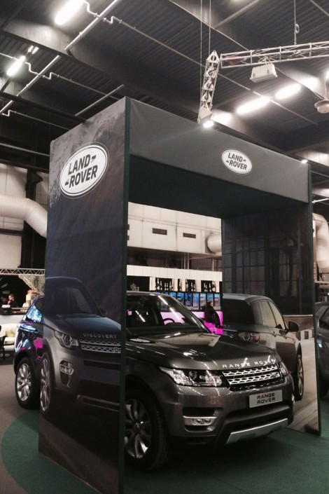 stand Land Rover